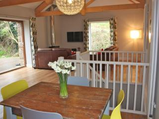 Beautiful 2 bedroom Portmellon Cove Cottage with Internet Access - Portmellon Cove vacation rentals