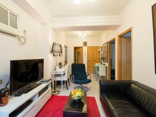 Sheung Wan Apartment Rental in Trendy Neighborhood of Hong Kong - Hong Kong vacation rentals
