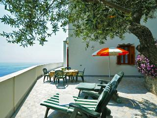 MARE BLU - 1 Bedroom - Vettica - Amalfi - Massa Lubrense vacation rentals