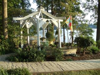 Beautiful Lake Keowee Waterfront Home, 7 miles to Clemson - Seneca vacation rentals