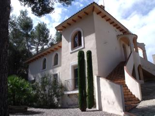 Beautiful Villa near Sitges, Spain, Sleeps 10. Chi - Olivella vacation rentals