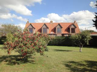 3 bedroom House with Internet Access in Blakeney - Blakeney vacation rentals