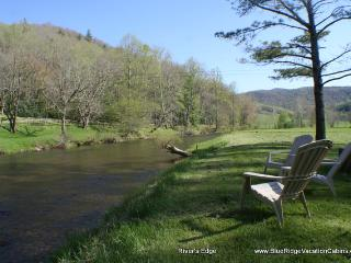 *FEB $125/NT!*RIVERFRONT*Hottub*Fireplace*Pingpong - Banner Elk vacation rentals