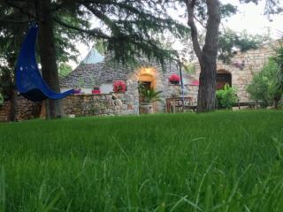 Comfortable Bed and Breakfast in Castellana Grotte with Internet Access, sleeps 2 - Castellana Grotte vacation rentals