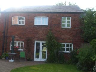 2 bedroom Cottage with Internet Access in Harrogate - Harrogate vacation rentals