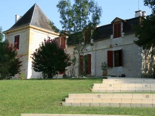 11 bedroom Chateau with Internet Access in Saint-Andre-et-Appelles - Saint-Andre-et-Appelles vacation rentals