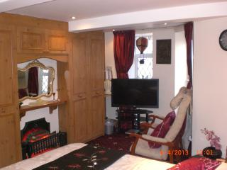 Sea-Cote Holiday Apartment 6( SUITABLE FOR COUPLE) - Blackpool vacation rentals