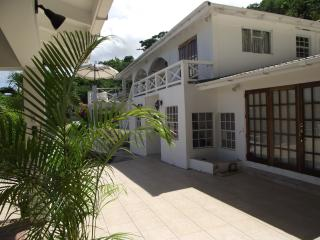7 bedroom Villa with Internet Access in Belmont - Belmont vacation rentals