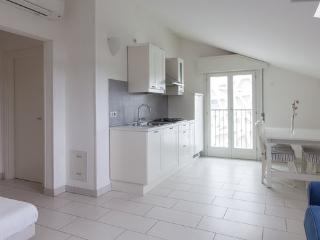 Air-conditioned up to 7 people only 100 meters from the sea - Cervia vacation rentals