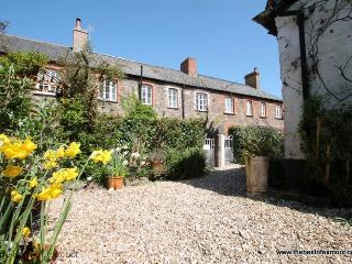 Grace Cottage, Porlock - Sleeps 4 - Exmoor National Park - Porlock vacation rentals