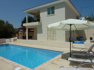 Nice Villa with Internet Access and A/C - Anarvagos vacation rentals