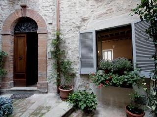 CASA DEGLI ARTISTI - Umbria vacation rentals