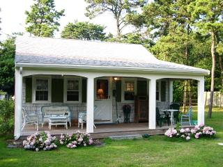 Quintessential Cape Cod Cottage - West Yarmouth vacation rentals