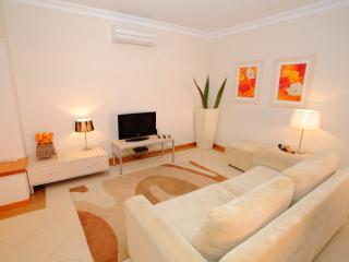 Victoria Boulevard 2 Bedroom Ground Floor Apt - Vilamoura vacation rentals