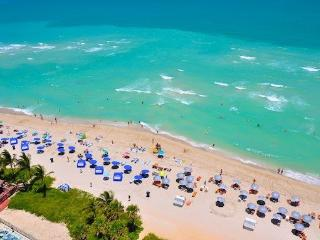 Solé - 1 bedroom apartment directly on the beach - Sunny Isles Beach vacation rentals