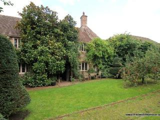 Old Priory Cottage, Dunster - Character cottage in the heart of medieval - Dunster vacation rentals