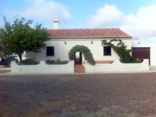 Cozy 2 bedroom Farmhouse Barn in Ourique with Internet Access - Ourique vacation rentals