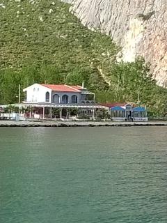 Gorgeous Villa in Nafpaktos with Iron, sleeps 12 - Nafpaktos vacation rentals