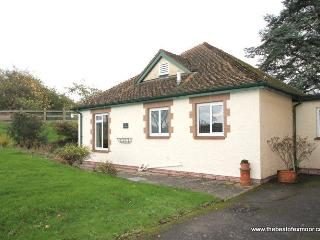 The Bramleys, Old Cleeve - Sleeps 4 - Peaceful rural location - Edge of Exmoor - Near the coast - Minehead vacation rentals