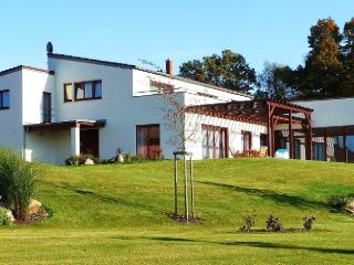 Nice 4 bedroom Vacation Rental in Jindrichuv Hradec - Jindrichuv Hradec vacation rentals