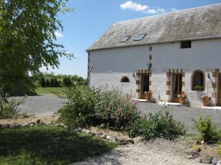 2 bedroom Gite with Internet Access in Cussay - Cussay vacation rentals