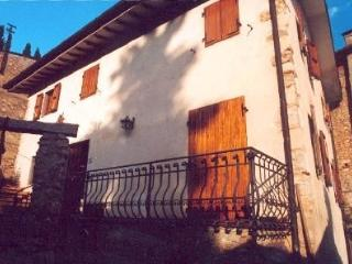 Comfortable Villa with Balcony and Central Heating - Camaiore vacation rentals