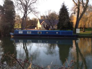 Peewit 60ft. Modern Narrowboat - Foxton vacation rentals