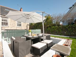 Dale Cottage - Crantock Village centre sleeps 6 - Crantock vacation rentals