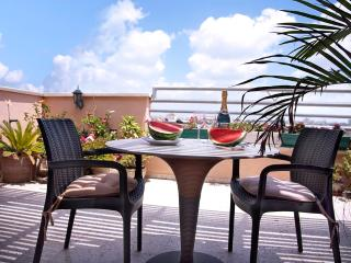 2 rooms penthouse near sea - Bat Yam vacation rentals