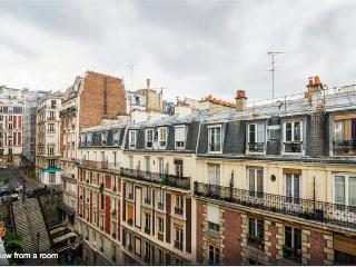 Live like a Parisian in Montmartre - Paris vacation rentals