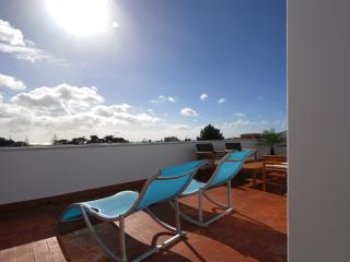 1 bedroom Penthouse with Internet Access in Carcavelos - Carcavelos vacation rentals