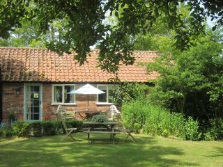 Comfortable Cottage with Internet Access and Satellite Or Cable TV - Stowmarket vacation rentals
