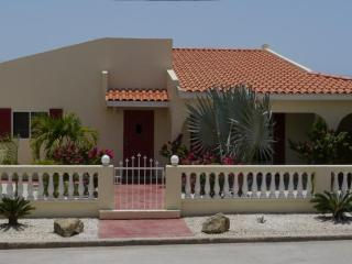 NOORD STAR VILLA - VACATION HOME FOR ALL SEASONS - Noord vacation rentals