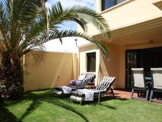 Apt with private garden, 500m from the beach - Tarifa vacation rentals