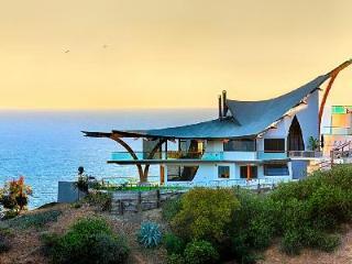 Eagle's Watch - a unique 3-story villa with jacuzzi & fantastic ocean views - Malibu vacation rentals