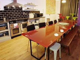 Cardiff Bay Lodge - Luxury Stag and Hens - 49711 - Cardiff vacation rentals
