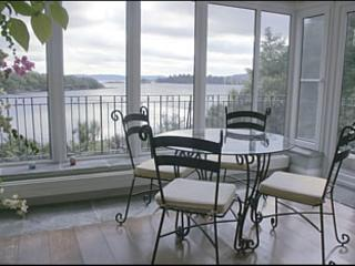 Perfect 4 bedroom Glengarriff House with Internet Access - Glengarriff vacation rentals