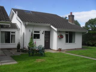 2 bedroom Bungalow with Microwave in Chester - Chester vacation rentals