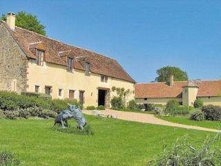 Nice 6 bedroom House in Sellé-le-Guillaume - Sellé-le-Guillaume vacation rentals