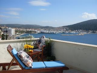 2 bedroom Apartment with Internet Access in Cesme - Cesme vacation rentals