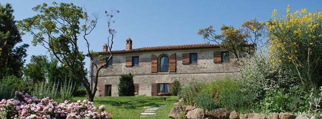 9 bedroom Villa in Monteroni D Arbia, Siena Area, Tuscany, Italy : ref 2230275 - Image 1 - Monteroni d'Arbia - rentals
