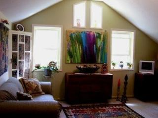 Eclectic One Bedroom Cottage in the Hudson Valley - New Paltz vacation rentals