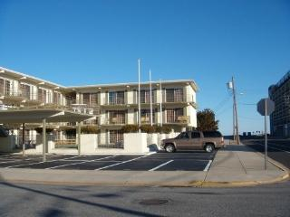 Sun Facing Beach Block 5th & Ocean, heated pool - North Wildwood vacation rentals