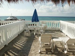 PLAYA DEL CARMEN OCEANFRONT CONDO VACATION RENTAL - Playa del Carmen vacation rentals