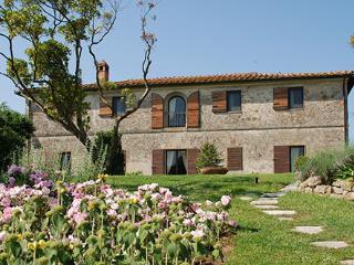 9 bedroom Villa in Monteroni D Arbia, Siena Area, Tuscany, Italy : ref 2230275 - Monteroni d'Arbia vacation rentals