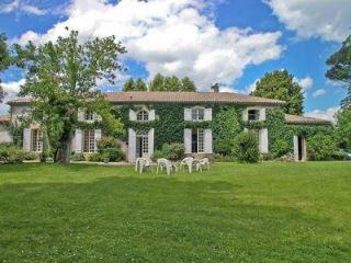 Charming 6 bedroom House in La Reole with Internet Access - La Reole vacation rentals