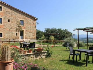 Arancione apartment - Dimore di Poggianto - Pergine Valdarno vacation rentals