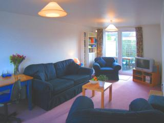 Bright 2 bedroom Fulbourn House with Internet Access - Fulbourn vacation rentals