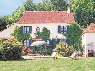 Spacious 7 bedroom House in Coulommiers - Coulommiers vacation rentals