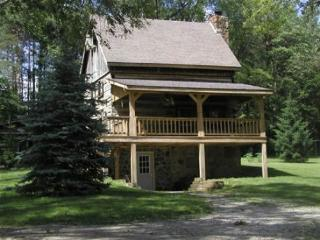 Valley View Log Cabin in Brown County, Indiana - Freetown vacation rentals